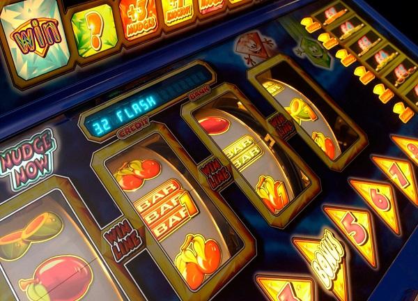 สล็อต เกมพนันสร้างรายได้ หาเงินได้จริง เล่นง่ายได้เงินไว